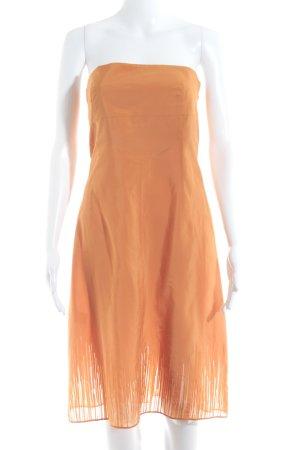 Strenesse Vestido bandeau naranja look casual