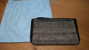 Strenesse Blue - coole Clutch mit feiner Kettenapplikation