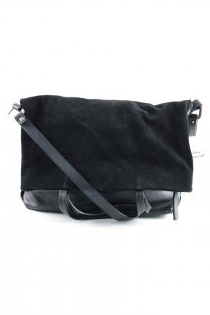 Strenesse Carry Bag black minimalist style