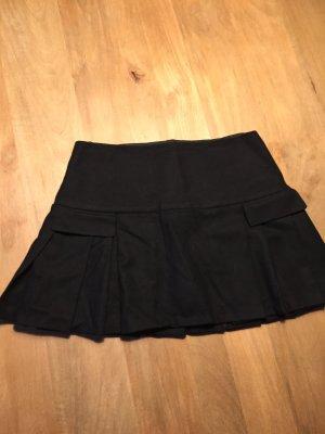 Strenesse - kurzer schwarzer Faltenrock