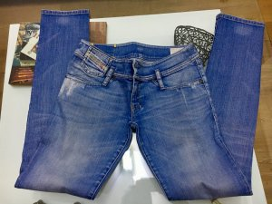 Stretch Jeans Diesel 27/32 schöne Waschung