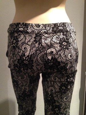 Pantalón elástico blanco-negro