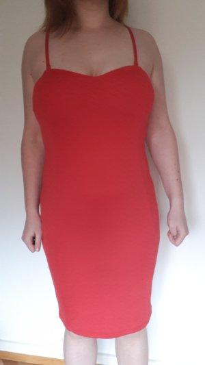 b.p.c. Bonprix Collection Vestido elástico rojo claro