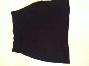 Stretchrock schwarz mit Raffung von H&M