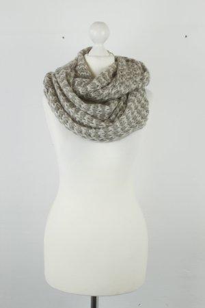 Écharpe en tricot argenté