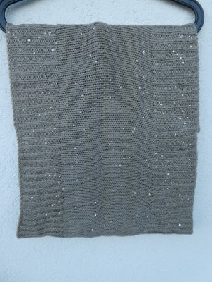 Knitted Scarf grey brown