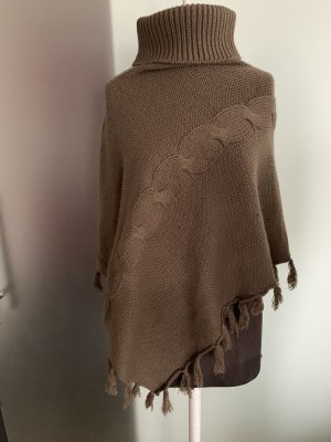 Knitted Poncho light brown