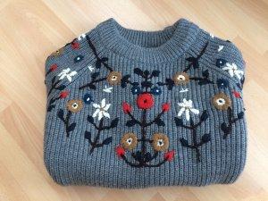 Strick-Pullover mit Stickerei *