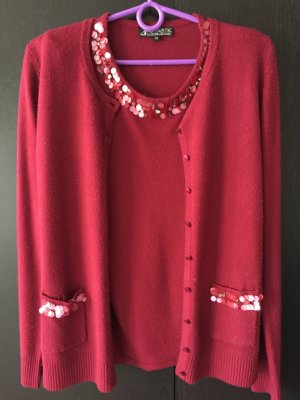 Authentic Ensemble en tricot rouge carmin acrylique