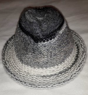 Strickhut von Seeberger grau