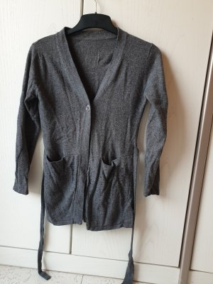 Gilet tricoté gris foncé