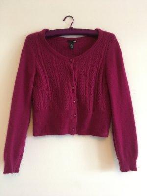 Strickjacke / Cardigan, Farbe Purpur, Größe M - da eher kurz auch gut als S zu tragen.