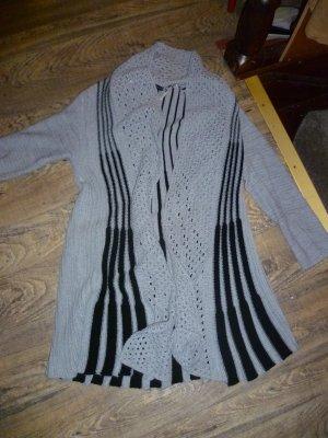 Strickjacke Gr 40 grau schwarz kuschelig Kurzstrickmantel