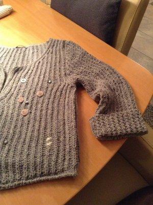 Strickjacke grob gestrickt grau aus Baumwolle aktuelle Kastenform