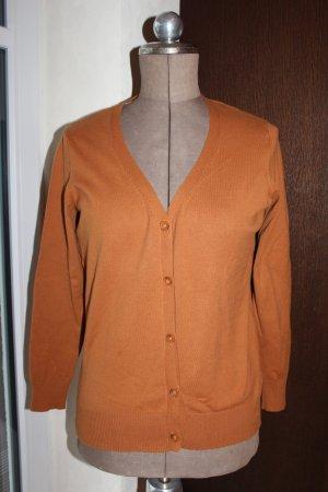 Strickjacke in karamell mit Lederimitat am Ellenbogen von Woman by Tchibo . getragen aber gut