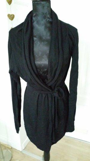 Strickjacke mit Gürtel in schwarz