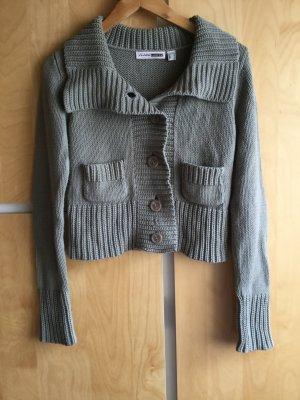 Strickjacke, taillenkurz, khakifarben, mit kleinen Taschen