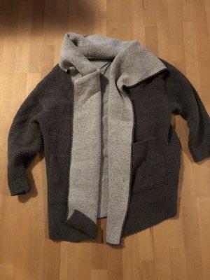 Zara Rebeca gris-gris claro