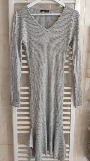 Abito di maglia grigio chiaro