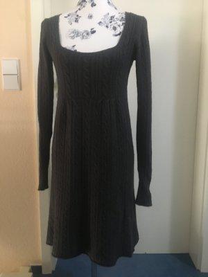 Robe en maille tricotées gris foncé