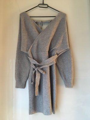 Abito di maglia grigio