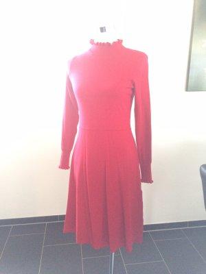 b0db48929af82c Gebreide jurken tegen lage prijzen