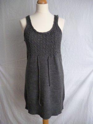 Strickkleid aus Wolle mit Zopfmuster in M
