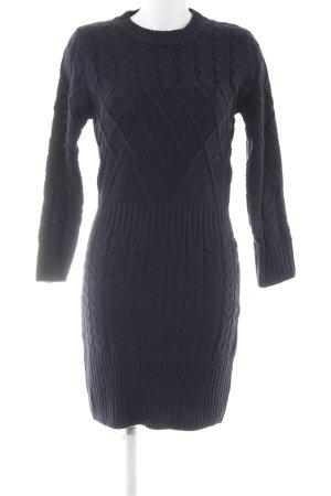 Vestido tejido violeta oscuro punto trenzado look casual