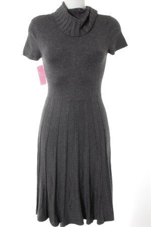 Abito di maglia grigio motivo a righe stile casual