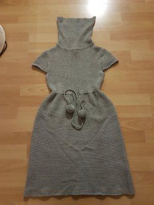 Strickkleid in grau und Größe S