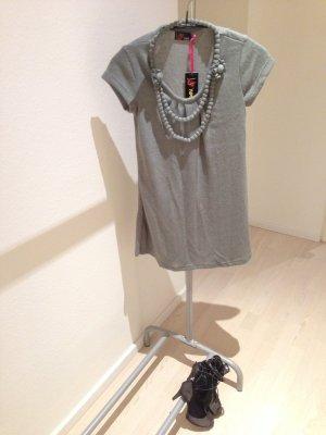 Strickkleid in Grau von Yumi