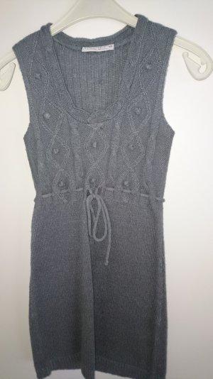 Strickkleid in Grau zu verkaufen
