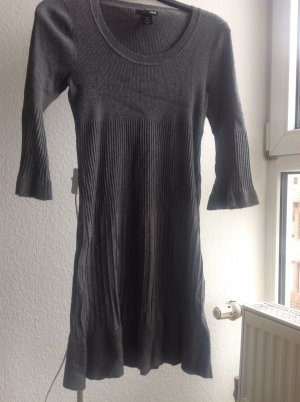 Strickkleid in Rippstrick