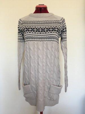 Strickkleid mit winterlichem Muster