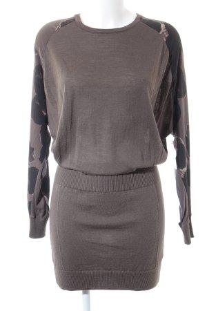 Strickkleid schwarz-graubraun abstraktes Muster Casual-Look
