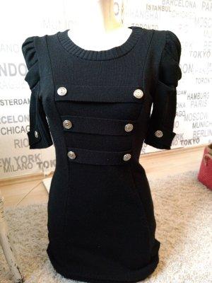 #Strickkleid, schwarz, mit Silberknöpfen