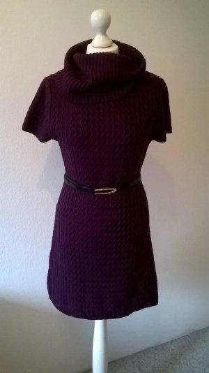 Strickkleid / Shirtkleid mit kurzen Ärmeln in Aubergine