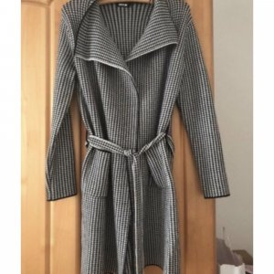 Knitted Coat black-white