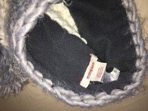 Sombrero de punto gris-blanco