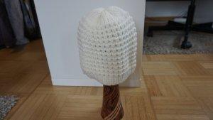 Chapeau en tricot blanc-crème acrylique