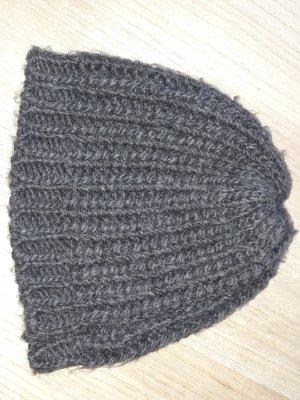 Cappello a maglia grigio scuro-marrone-grigio