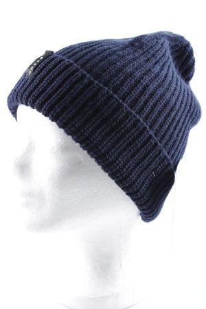 Chapeau en tricot bleu foncé style décontracté