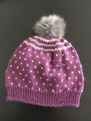 Chapeau en tricot violet-blanc