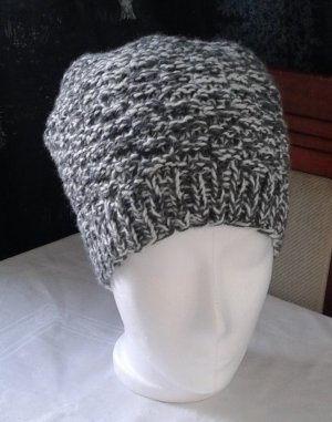 Knitted Hat black-white