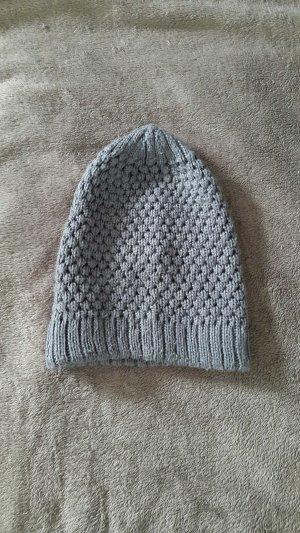 Strickmütze in Farbe Grau