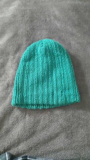 Chapeau en tricot vert