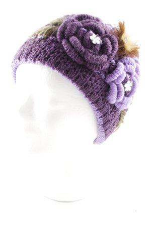 Chapeau en tricot violet-lilas motif de fleur style romantique