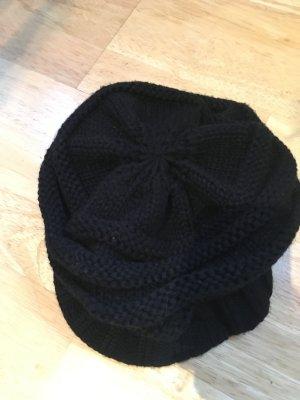 Chapeau en tricot noir laine vierge