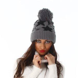 Chapeau en tricot gris acrylique