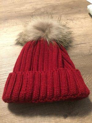 Gorra rojo oscuro